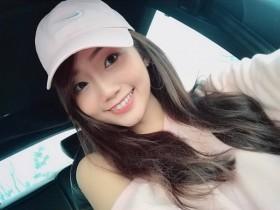 【GG扑克】台湾大长腿正妹Jessie 甜美治愈笑容让瞬间有感觉