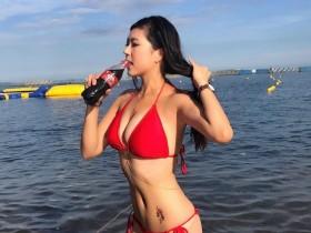 【GG扑克】沙滩正妹Fibi Chen 性感美尻肉弹十足令人无法忽视