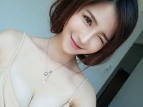 【GG扑克】甜美气质正妹李佳丽 超深性感事业线不见底