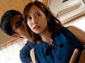 【GG扑克】出轨人妻HND-602: AV第一美尻全程跩脸,巨乳美尻筱田ゆう被上疯狂内射!