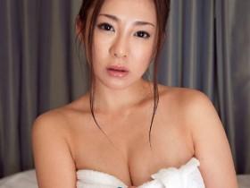 【GG扑克】IPX-420 :浴场精油按摩!初音みのり风俗店献身!