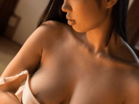 【GG扑克】童颜爆乳妹桐谷茉莉连续中出的顶级服务!