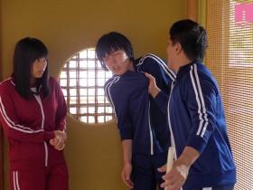 【GG扑克】MIAA-184 :巨乳美少女根尾あかり被变态男老师性体罚!