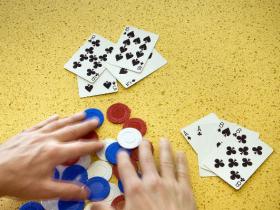 【GG扑克】以打牌为生到底靠谱吗?