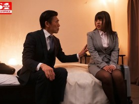 【GG扑克】爆乳女员工夕美紫苑酒醉被上司捡尸整晚高潮不止!
