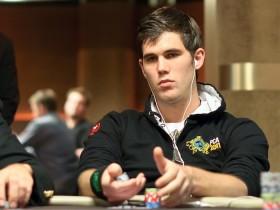 【GG扑克】锦标赛小测试:转牌圈是否继续下注?