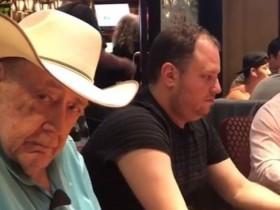 【GG扑克】Gus Hansen晒扑克教父Doyle Brunson打牌的照片