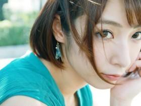 【GG扑克】短发熟女阿部乃美久第一次让男人走后门肛交!