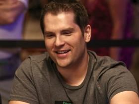 【GG扑克】职业牌手赛事出局后为发泄怒火去打视频扑克,结果……