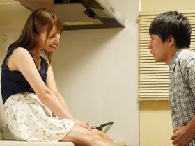 【GG扑克】MIDE-841:男友不在家!痴女初川南想做爱找他弟来代替!