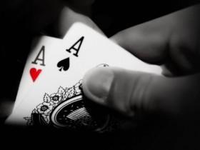 【GG扑克】Jonathan Little谈扑克:一手打错的AA