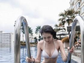 【GG扑克】大长腿美女JoeyTng 性感正妹比基尼秀完美身材