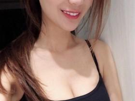 【GG扑克】性感小野猫Ziko Chen 魔鬼身材美女吊带背心秀事业线