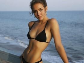 【GG扑克】模特正妹Charly Jordan 自拍洗澡辣照令人大饱眼福