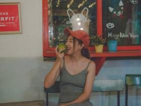 【GG扑克】台湾性感模特Angel Chou 深V礼服豪乳呼之欲出