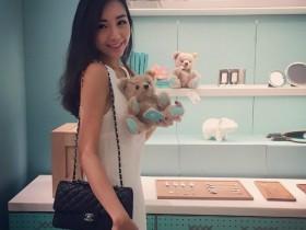 【GG扑克】性感空姐Athena Lin大解放 豪乳波涛汹涌成最美风景