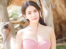【GG扑克】泰国网红美模พิมพ์วดี ใจบุญ 性感人妻事业线深长不见底