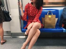 【GG扑克】地铁美女Sherena Ng 性感美腿模特眼神诱人