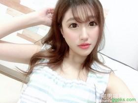 【GG扑克】大眼女优「美竹すず」高中就发育过剩3年内跳了4个罩杯变成超巨乳!