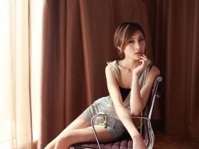 【GG扑克】婬荡女秘的服务_办公室浪荡女秘小说阅读