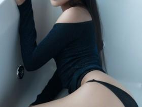 【GG扑克】揉摸她乳尖_哺乳期女人很诱人