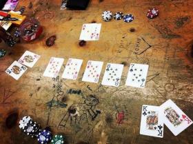 【GG扑克】逆袭轻易套牢一副对的对手