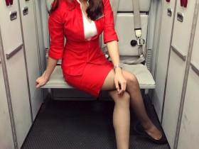 【GG扑克】正妹空姐Yoko Tang 三点式泳装秀性感S曲线
