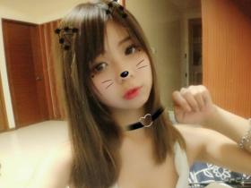 【GG扑克】女学生正妹小米恩Mina 童颜巨乳令人招架不住
