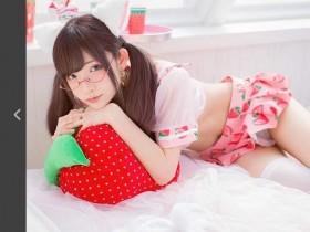 【GG扑克】日本网络正妹草莓水手服诱惑 性感透明让人招架不住
