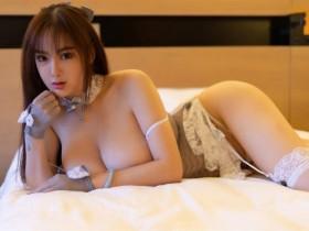【GG扑克】睡衣诱惑,这个乳量太惊人!大胸嫩模易阳傲人双峰双手难挡