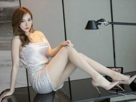 【GG扑克】气质熟女Lavinia丝袜美腿夺人眼球,浑身散发着妩媚气质