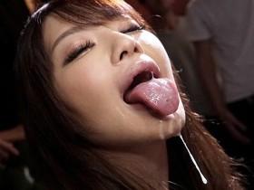 【GG扑克】SSNI-671:女神安斋らら用那对超出规格的J罩杯神乳把你的精液给榨出来!
