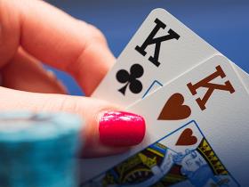【GG扑克】KK在翻牌圈发出A时应该如何游戏?