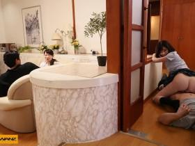 【GG扑克】WANZ-976:深田咏美一面和父母讲话一面用屁股和弟弟做爱!