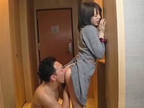 【GG扑克】ABP-829: 淫荡女友铃村爱里在床上淫水喷发无人能及!