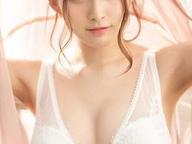 【GG扑克】EBOD-763:发情巨乳店员衣吹花音用鲜嫩肉体迎接成年礼!