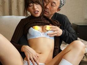 【GG扑克】URE-058 :熟女人妻希岛爱里和叔叔搞上了连套子都不用 …