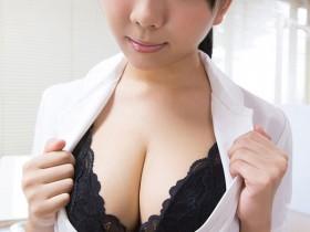 【GG扑克】RBD-992 :豪乳女大生稻场流花被催眠极度渴望肉棒。