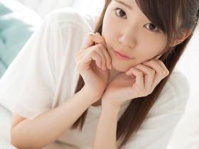【GG扑克】CAWD-145:苗条美腿女子大生琴石梦仰慕女优下海了!