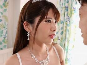 【GG扑克】JUFE-227 :同居忍了四年!极品女友緑川みやび穿着半裸爆乳婚纱玩到爽.