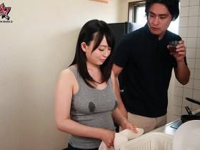 【GG扑克】DASD-585:母乳人妻羽月希和老公的黑人同事在家偷情!