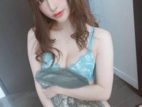 【GG扑克】FLNS-056:偶像美少女天使萌自拍做爱的画面,4P的乱交演出!