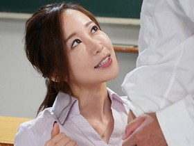 【GG扑克】什么都能教的美女老师「篠田ゆう」 自己当活教材解答性爱问题