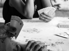 【GG扑克】10步让你在牌场赢更多的钱(一)