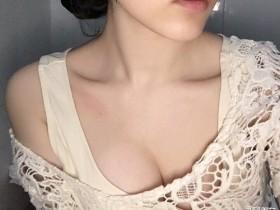 【GG扑克】啃长发美女生活照鸭脖