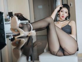 【GG扑克】美腿黑丝 完美尤物艺轩魅惑黑丝曲线毕露,美腿玉足令人欲火缠身