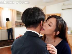 """【GG扑克】JUY-903 :趁着妹妹睡着,女友姐姐""""白木优子""""偷偷扎进妹夫的被窝里吃鸡!"""