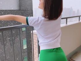 """【GG扑克】性感校花""""渚光希""""真理裤造型超邪恶,忍不住在公厕发生关系!"""