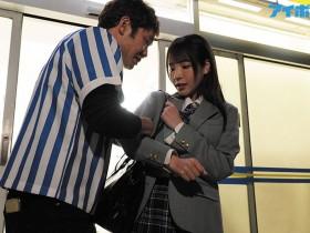 """【GG扑克】偷保险套被发现!""""桃乃木かな""""被店长囚禁在仓库随时进入"""