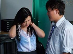 【GG扑克】古川いおり(古川伊织)作品 STARS-094 :暴雨夜与憧憬的女上司办公室湿身做爱!